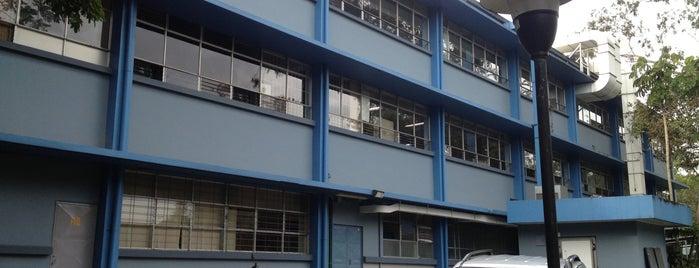 Facultad de Medicina is one of UCR.