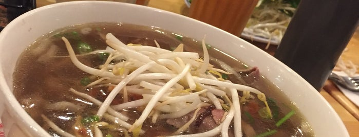 The Noodle Vietnamese Cuisine is one of Sam 님이 좋아한 장소.