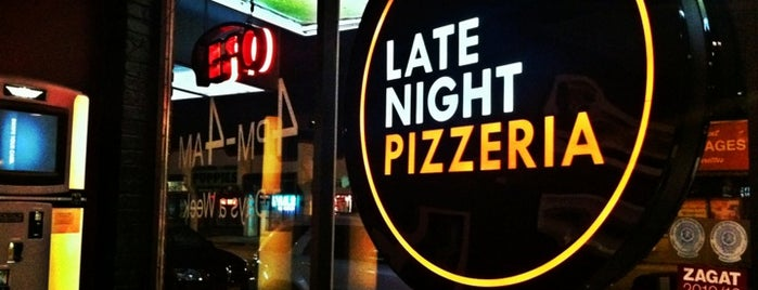 Za Late Night Pizzeria is one of Lugares favoritos de Tim.