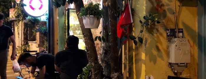 Cafe Stellar is one of Posti salvati di Ceren.