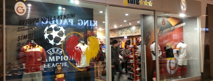 Galatasaray Store is one of Lugares guardados de Gizemli.
