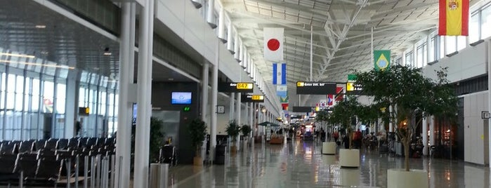 Washington Dulles International Airport is one of The #AmazingRace 22 map.