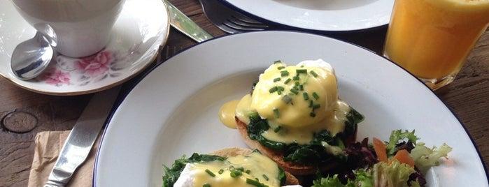 Ez & Moss is one of Breakfast/Brunch in London.