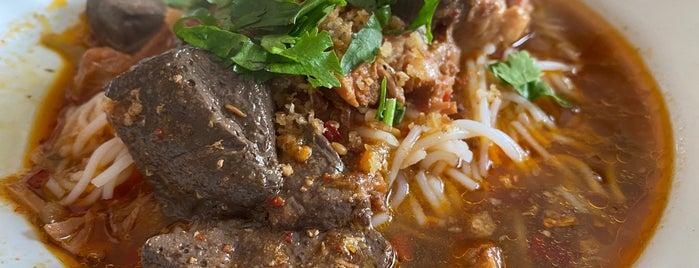 ขนมจีนน้ำเงี้ยวท่าแพร้อยปี is one of เชียงใหม่_5_noodle.