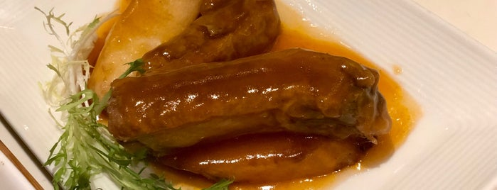 PUTIEN Restaurant 莆田菜馆 is one of Posti che sono piaciuti a Andrew.