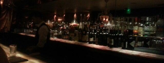 Rose Bar is one of 🏖Bienvenido.