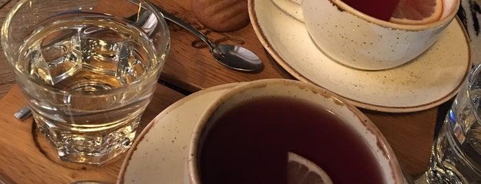 Latife Cafe is one of Orte, die Halil G. gefallen.