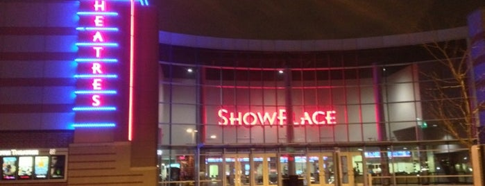 Kerasotes ShowPlace 14 is one of Lugares favoritos de Andrew.