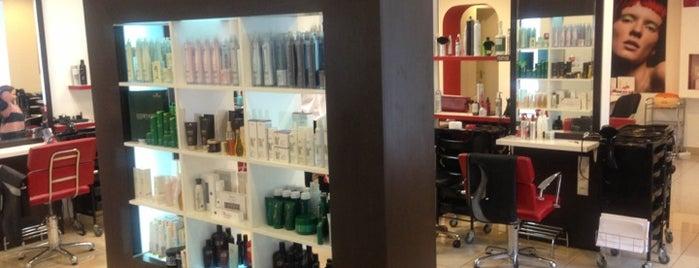 GRABOVSKIY hair studio is one of Lieux qui ont plu à Simon.