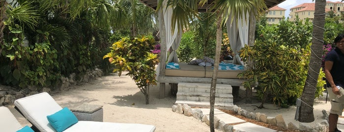 The Oasis at Grace bay is one of Lieux qui ont plu à Chris.