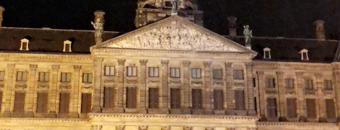 Dam Square is one of AMS.