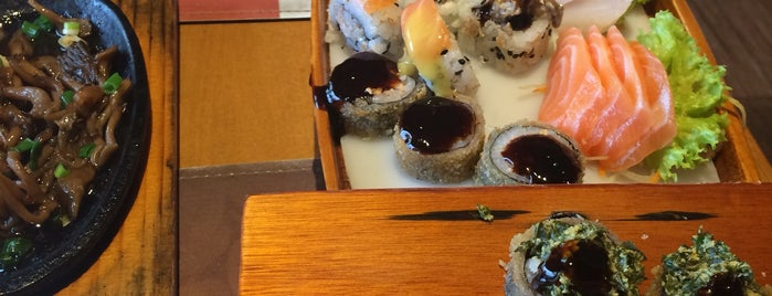 Saji Sushi is one of สถานที่ที่ Taiane ถูกใจ.