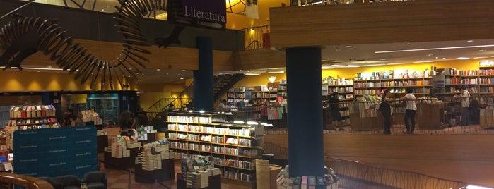 Livraria Cultura is one of สถานที่ที่ Taiane ถูกใจ.