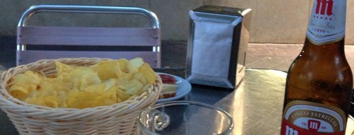 Restaurante La Parisiena is one of Locais curtidos por Daniel.