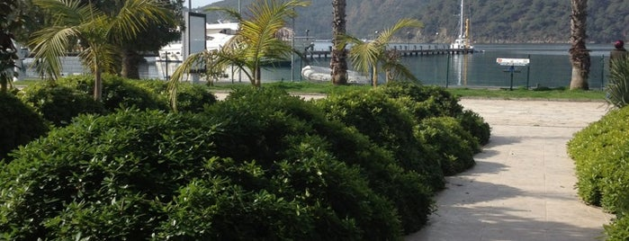 Göcek Belediyesi Çay Bahçesi is one of สถานที่ที่บันทึกไว้ของ Hatice.