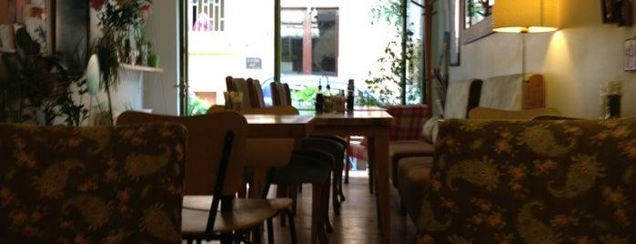 Kahve 6 is one of Freelancer Friendly Cafés: Istanbul.
