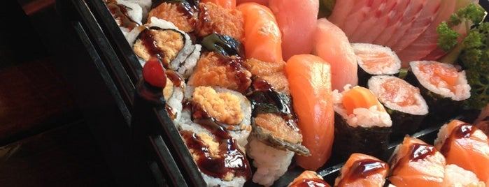 Harumi Sushi is one of Tempat yang Disukai Edy.