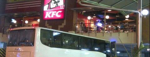 KFC / KFC Coffee is one of Winda'nın Beğendiği Mekanlar.