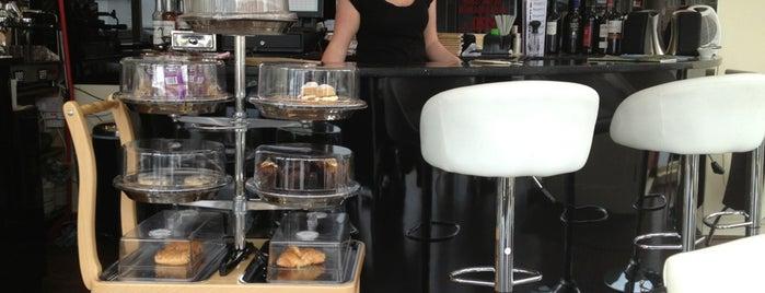 Cafe Rita is one of Tempat yang Disukai Tone.