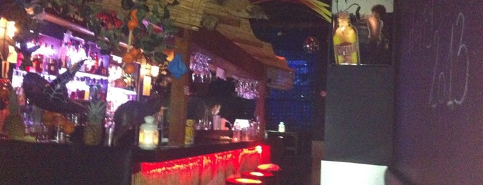 Quai des Bananes is one of Bars.