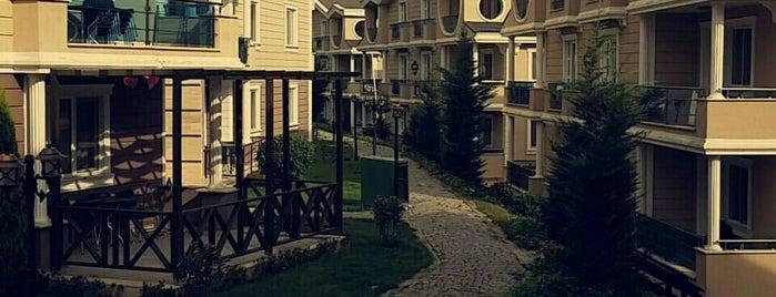 Sarot Termal Vadi Zakkum Blok is one of Orte, die Ahmet gefallen.