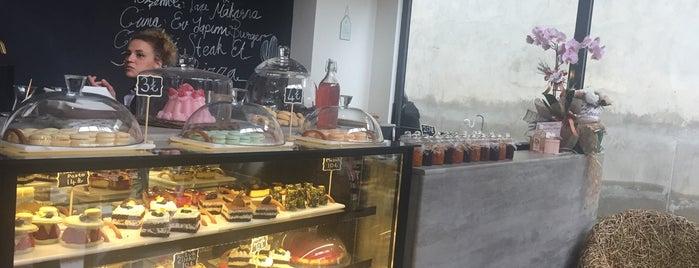Mutfaksever Cafe & Yemek Atölyesi is one of Orte, die Mahmut gefallen.