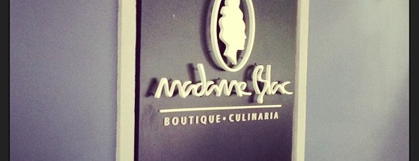 Madame Blac is one of Lugares para visitar.