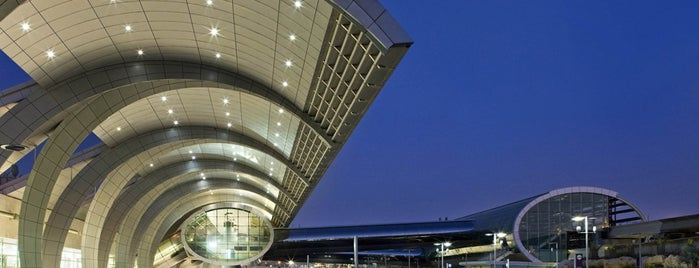 Dubai International Airport (DXB) is one of Seyahat.