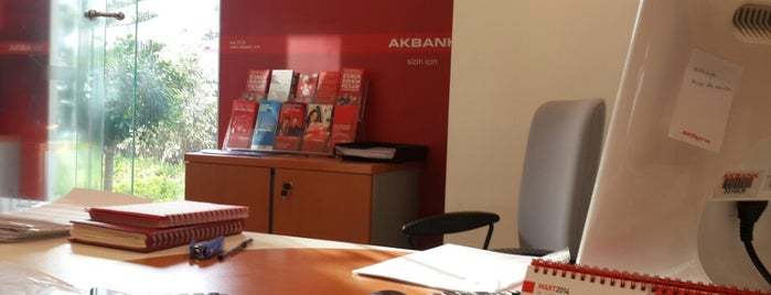 Akbank is one of Lieux qui ont plu à Mete.