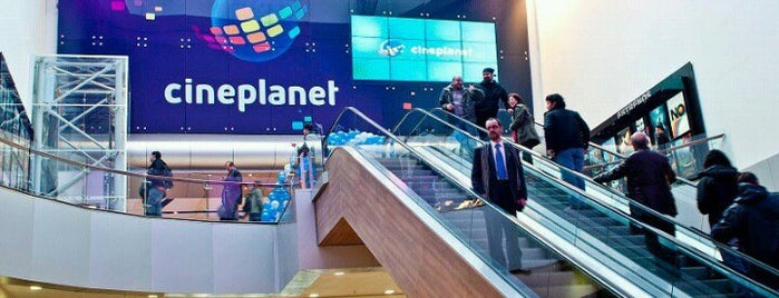 Cineplanet is one of Cines en Santiago.