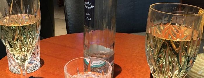 11. Lounge is one of Düsseldorf Best: Drinks.