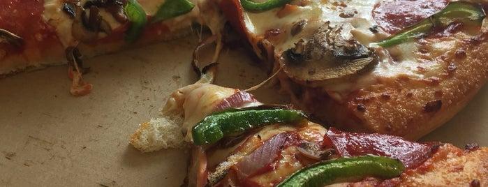 Pizza Hut is one of Lugares favoritos de Fabrizio.