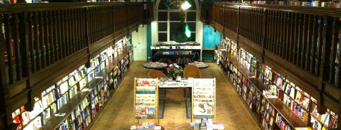 Daunt Books is one of London: Food and To Do.