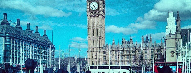 Parliament Square is one of Tempat yang Disukai Kevin.