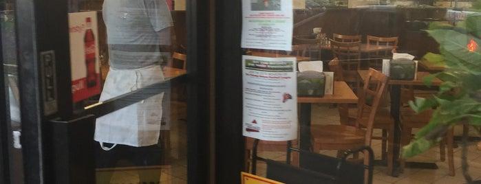 Vinny Roma Pizza is one of สถานที่ที่ Lyn ถูกใจ.