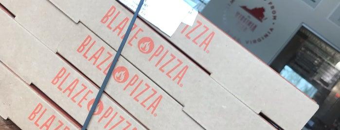 Blaze Pizza is one of Tempat yang Disukai Bianca.