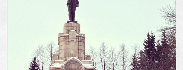 Памятник Ленину is one of Posti che sono piaciuti a Анна.