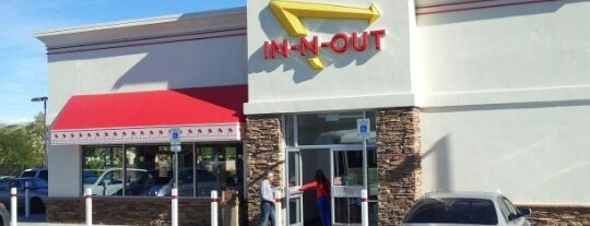 In-N-Out Burger is one of Lieux qui ont plu à Motts.