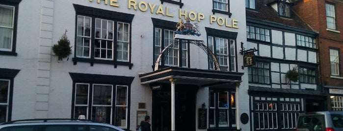 The Royal Hop Pole (Wetherspoon) is one of Carlさんのお気に入りスポット.