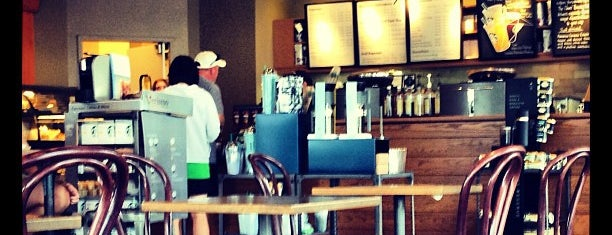 Starbucks is one of Orte, die Eleazar gefallen.