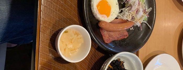 ガスト 鴨居店 is one of ぜろさんのお気に入りスポット.