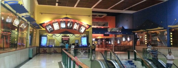 Cinex (Doral Center Mall) is one of Massiel'in Beğendiği Mekanlar.
