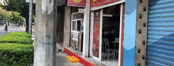 Sushi Hashi is one of Restaurantes portales.