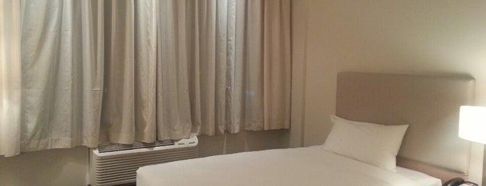 Hotel Spark Suite Antofagasta is one of Tempat yang Disukai Aris.
