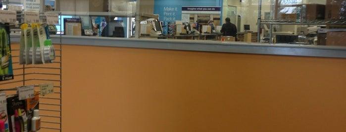 FedEx Office Print & Ship Center is one of Gespeicherte Orte von Alan.