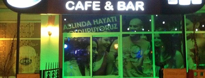 Mavi Boncuk Cafe Bar is one of İzmir.