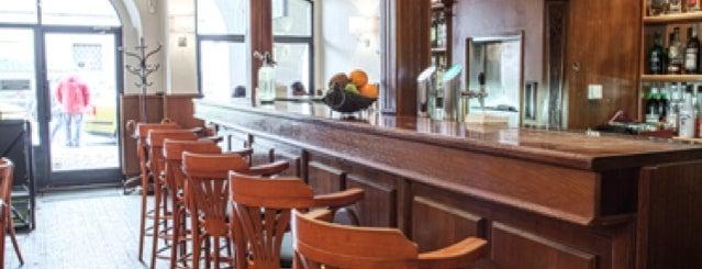 Jo´s Bar & Restaurant is one of Tempat yang Disukai Ilya.