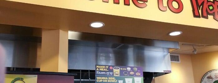 Moe's Southwest Grill is one of Posti che sono piaciuti a Stuart.