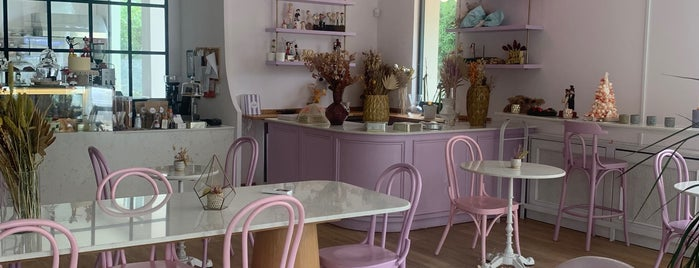 Duutpatisserie is one of Discover Kadıköy.
