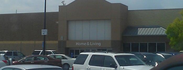Walmart Supercenter is one of Orte, die Harvey gefallen.